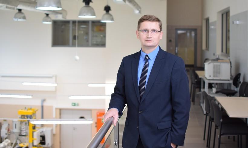 (Polski) Prof. Artur Bartkowiak o udziale w projekcie R4R