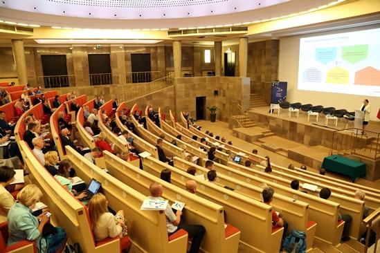 """Konferencja """"Polityka klastrowa i współpraca klastrów w ramach państw V4+4"""", Ministerstwo Rozwoju"""